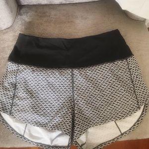 Lululemon sz 2 shorts